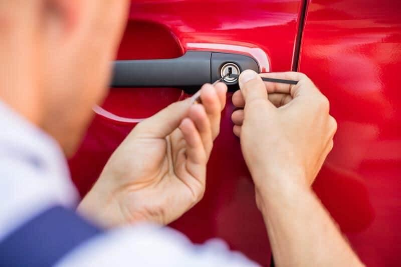מנעולן רכב - פורץ רכבים מומלץ זול